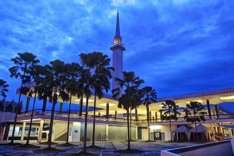 آشنایی با مسجد نگارا (National Mosque) کوالالامپور در تور مالزی