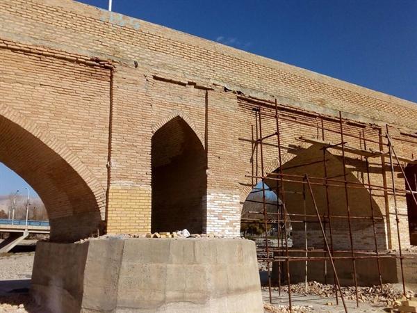 اجرای مرحله اول مرمت پل تاریخی بابا محمود