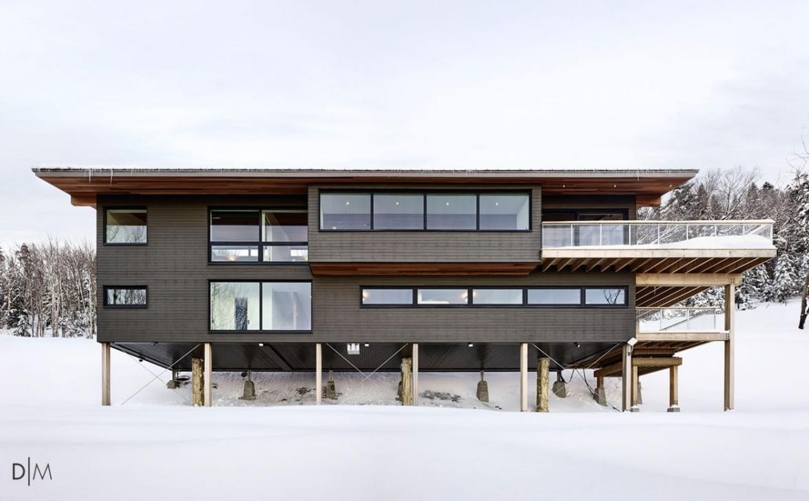 طراحی معماری یک کلبه مدرن برای اسکی
