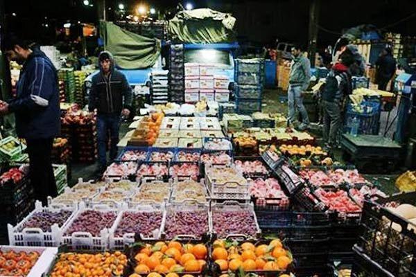 بازار بی رونق میوه در روزهای کرونایی