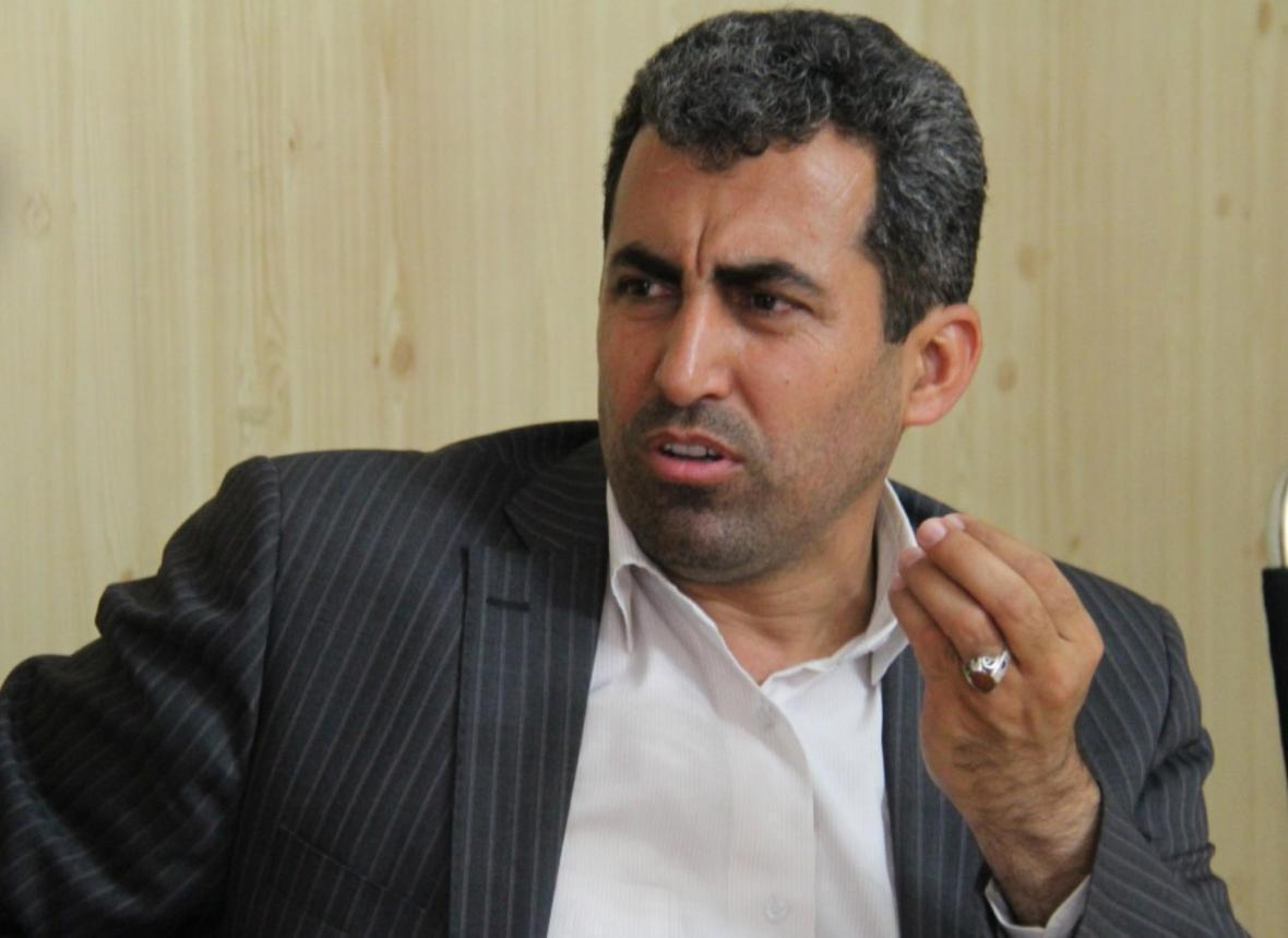 پورابراهیمی: دولت جزییات طرح گشایش اقتصادی را به مجلس ارائه نکرده ، با عرضه نفت طبق نظر دولت مخالفیم
