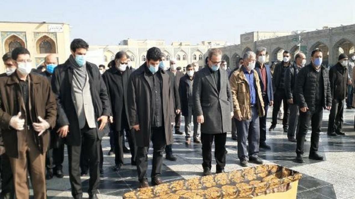 برگزاری مراسم خاکسپاری حاج محمد خادم در جوار حرم امام رضا (ع)