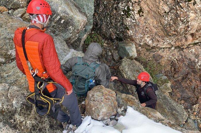 کوهنورد گرفتار در ارتفاعات دربند نجات یافت