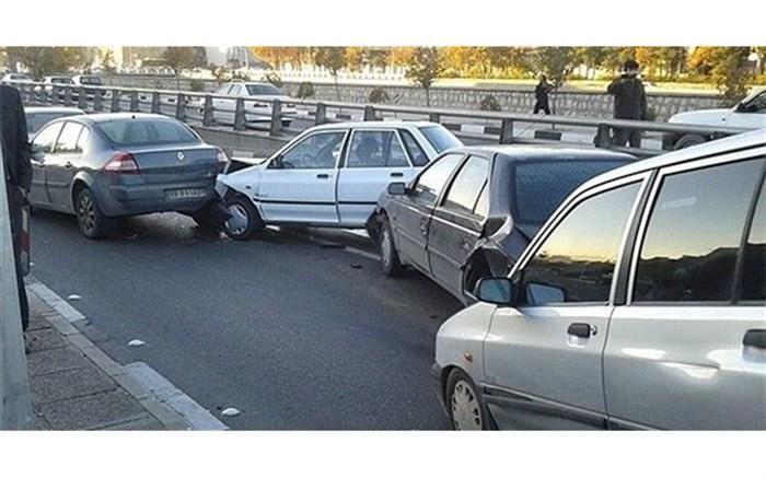 تصادف زنجیره&zwnjای در قزوین؛ 42 نفر آسیب دیدند