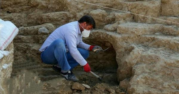 کشف هفت هزار شی تاریخی از تپه های باستانی قم تا به امروز