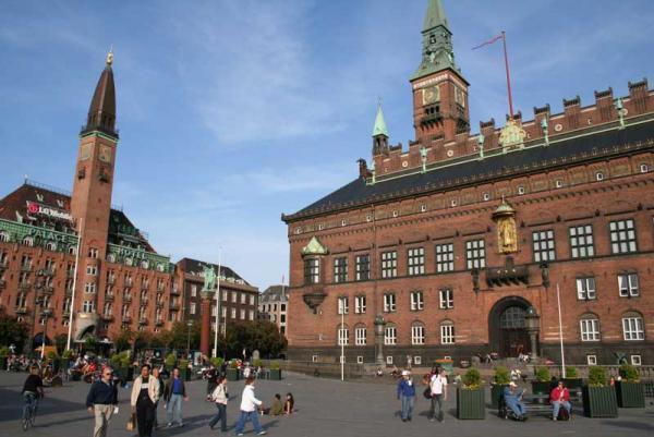 همه چیز درباره میدان شهرداری در کپنهاگ، عکس