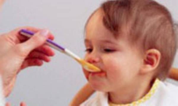 تغذیه ی طبیعی در بچه ها چه ویژگی هایی دارد؟